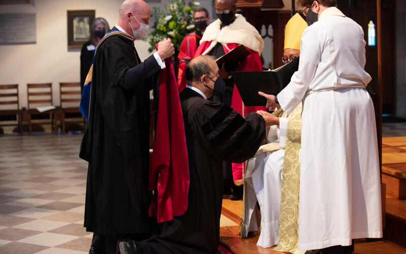 Thomas Murray receives his honorary doctorate. Photo courtesy of the School of Theology, University of the South.